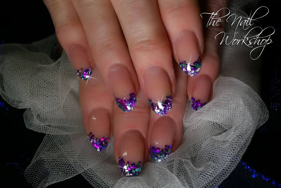Stunning christmas nail art encapsulated christmas glitter prinsesfo Gallery