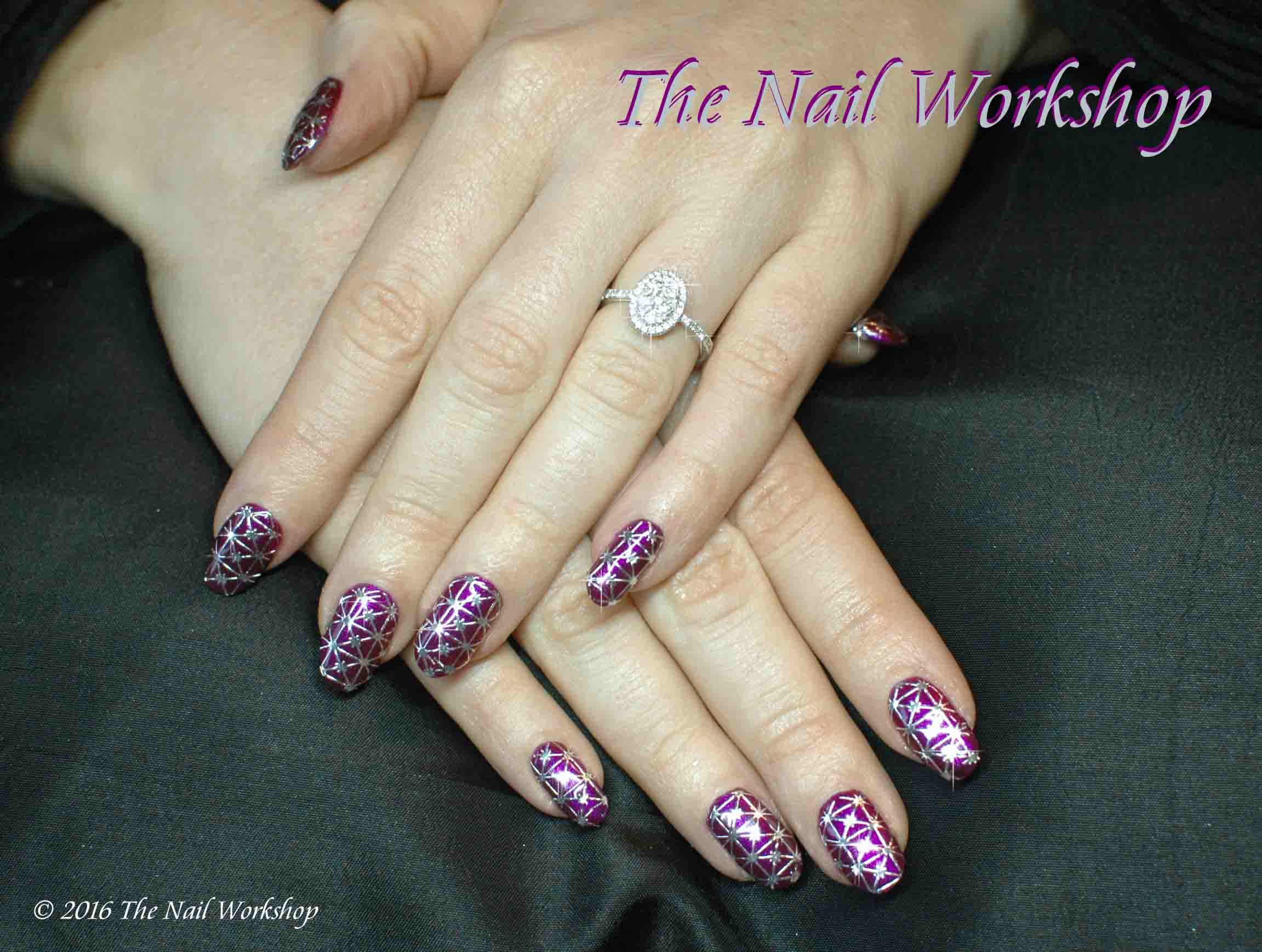 Gelish Berry Buttoned Up with Filigree Design