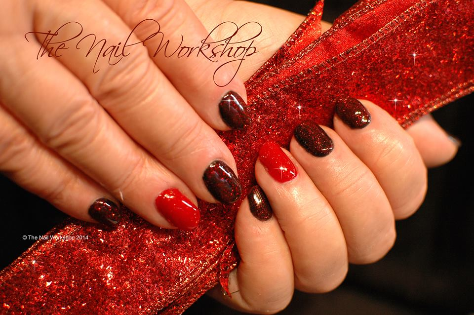 Gelish Red and Black Sparkle Christmas