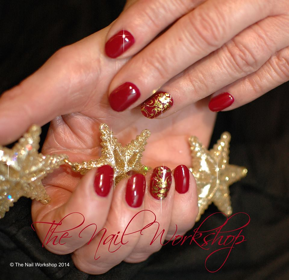Gelish Red and gold Stamping Christmas