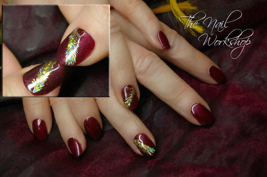 Gelish Red with gold Hologramed Feathers Christmas